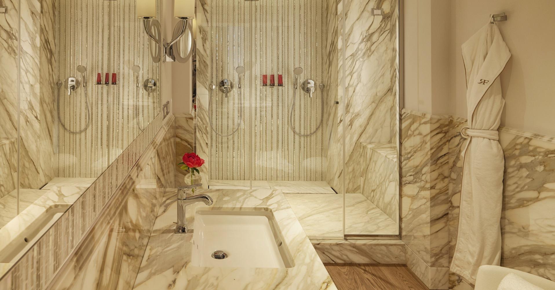 hotel_de_russie